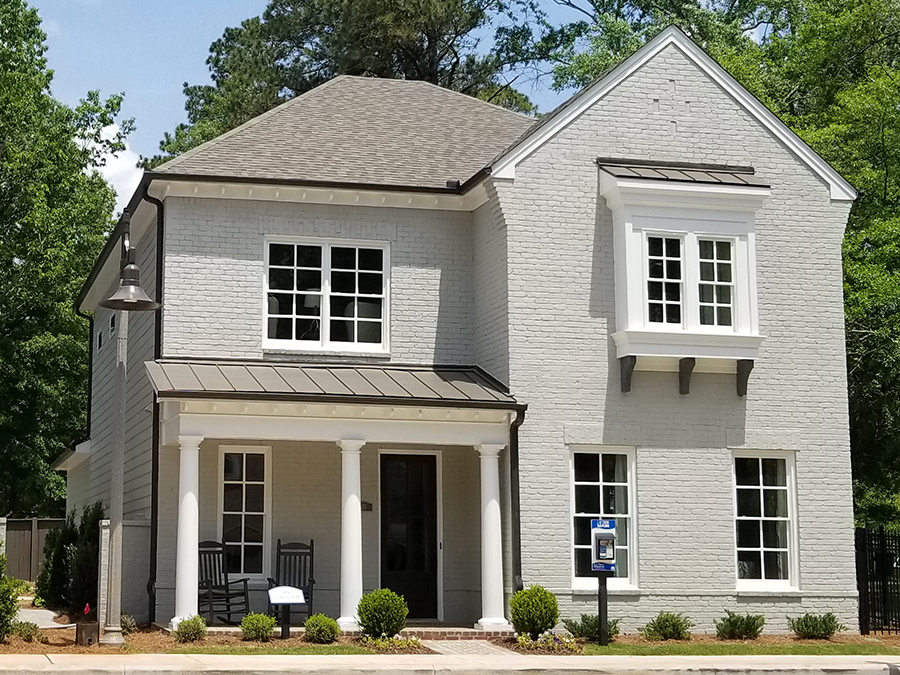 Linton & Main offers an intimate enclave of 10 homes in Downtown Woodstock, GA with first floor suites, open home floor plans with lots of natural light and HOA landscape maintenance.